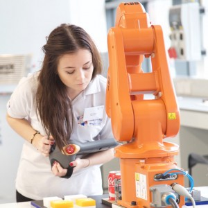 Student Robot 2015 crop